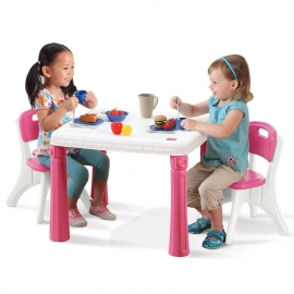 Столик со стульями розовый